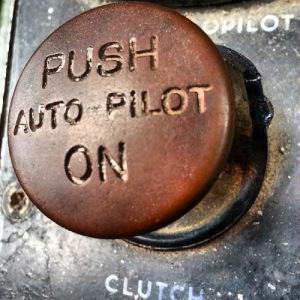 autopilot-button